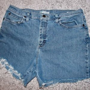 Lee Relaxed Fit Cut Off Jeans